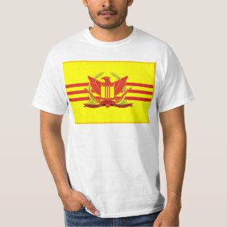 República de la bandera de las fuerzas militares camiseta