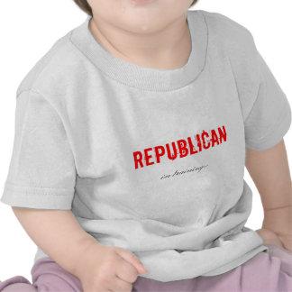 Republicano en camisa del entrenamiento