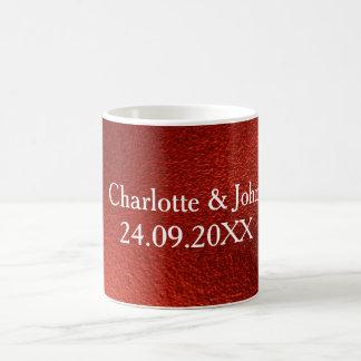 Reserva brillante roja el regalo de la taza del