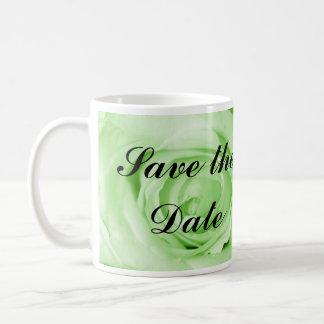 Reserva de la verde menta la fecha taza de café