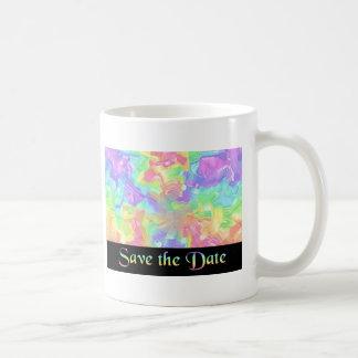 Reserva del arco iris la fecha taza de café