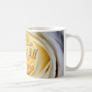 Reserva del blanco la fecha taza de café