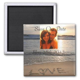Reserva del boda del amor de la playa que la fecha imán cuadrado