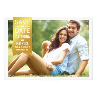 Reserva del marco de la foto de la hoja de oro la invitación personalizada