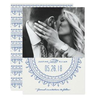 Reserva del medallón la tarjeta de fecha - cobalto invitación 12,7 x 17,8 cm