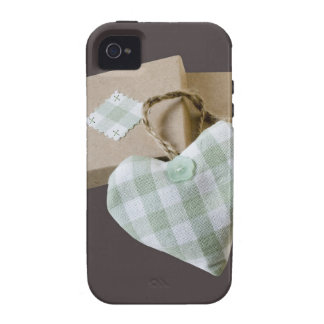 Reserva encajonada del corazón la fecha iPhone 4 carcasas