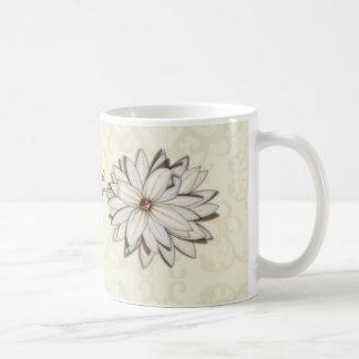 Reserva floral elegante el diseño de la fecha tazas