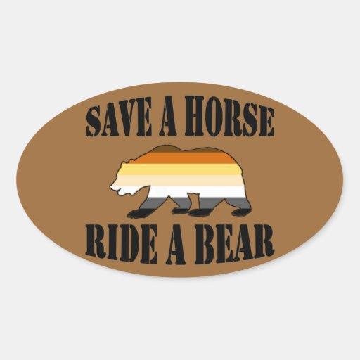 Reserva gay del oso un paseo del caballo un oso pegatinas de ovaladas