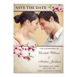 Reserva rosada de la foto del moreno de las flores invitación personalizada