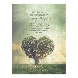 reserva rústica del vintage del árbol del corazón postal