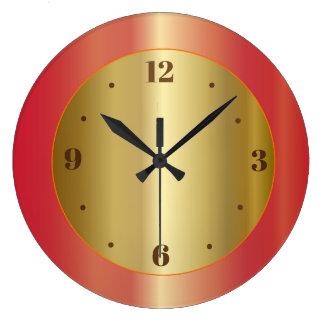 Resplandor de oro con los relojes de la cocina de