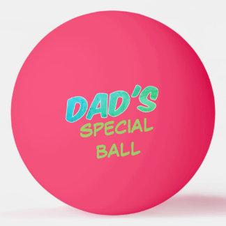 Resplandor especial en la bola de ping-pong oscura