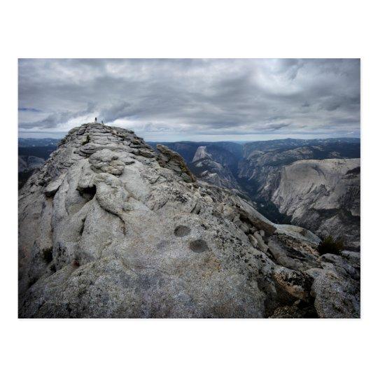 Resto Vista Yosemite de las nubes Postal