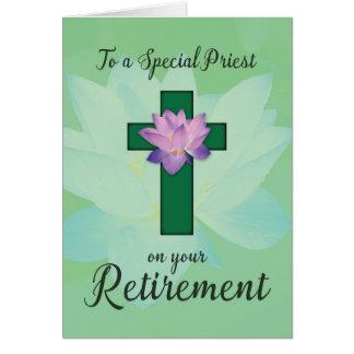 Retiro del sacerdote, flor de Lotus en cruz verde Tarjeta De Felicitación
