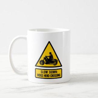 Retraso: travesía de la manada de los cerdos taza de café