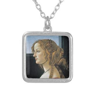 Retrato de una mujer joven por Botticelli Collar Plateado