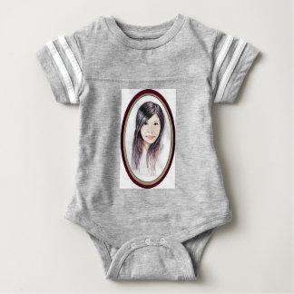 Retrato hermoso de una mujer asiática body para bebé