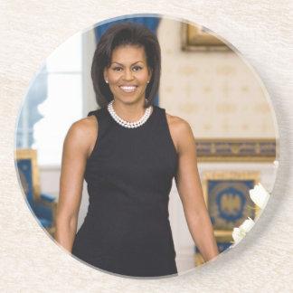 Retrato oficial de primera señora Michelle Obama Posavasos De Arenisca