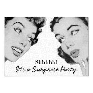 Retro diga la fiesta de cumpleaños de la sorpresa invitación 8,9 x 12,7 cm