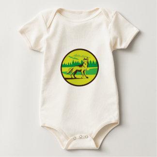 Retro oval del paisaje de la montaña del coyote body de bebé