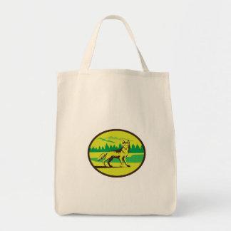 Retro oval del paisaje de la montaña del coyote bolsa tela para la compra
