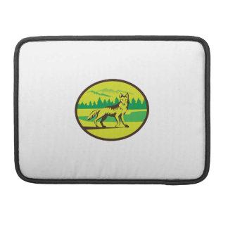 Retro oval del paisaje de la montaña del coyote funda para macbook pro