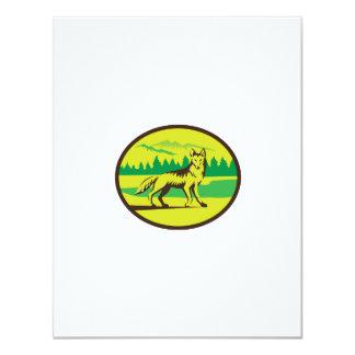 Retro oval del paisaje de la montaña del coyote invitación 10,8 x 13,9 cm