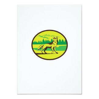 Retro oval del paisaje de la montaña del coyote invitación 11,4 x 15,8 cm