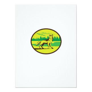 Retro oval del paisaje de la montaña del coyote invitación 13,9 x 19,0 cm
