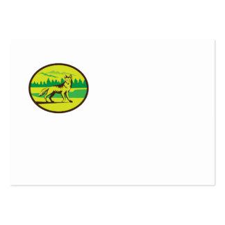 Retro oval del paisaje de la montaña del coyote tarjetas de visita grandes