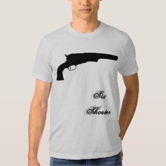 Revólver, seis pistolas camiseta