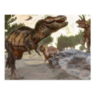 Rex del Tyrannosaurus que se escapa de ataque del Postal