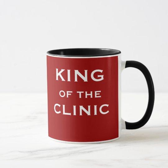 Rey del nombre divertido del doctor o del clínico taza