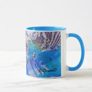Riegue la taza de café de la música en azules y