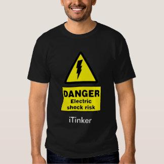Riesgo de la descarga eléctrica camisetas