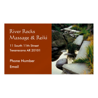 Río con la tarjeta de visita de las rocas