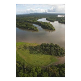 Río de Essequibo, el río más largo en Guyana, y Impresiones Fotograficas