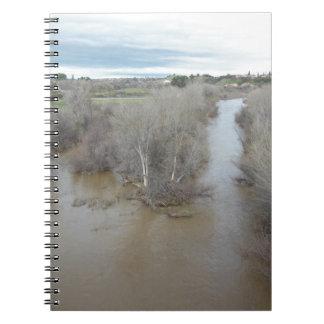 Río de las salinas al norte del puente del cuaderno