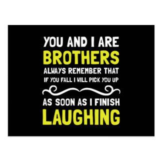Risa de los hermanos postal