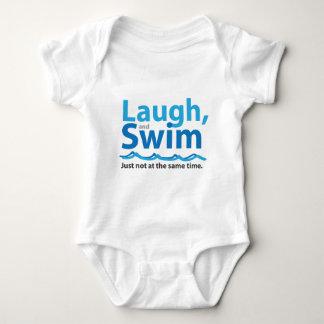 Risa y nadada… apenas no al mismo tiempo body para bebé
