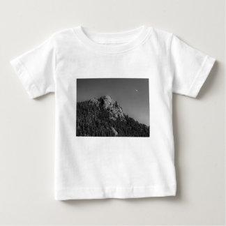 Roca creciente de la luna y del búfalo camiseta de bebé