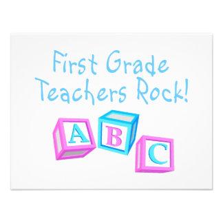 Roca de los profesores del primer grado comunicados personalizados