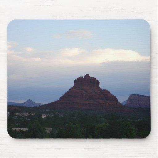 Roca en un día nublado - Sedona, AZ de Bell Tapetes De Raton