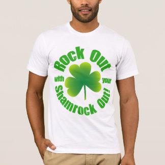 Roca hacia fuera el día del St Patricks Camiseta