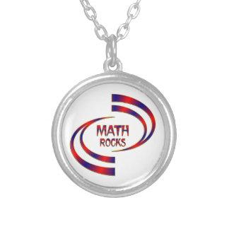 Rocas de la matemáticas collar plateado