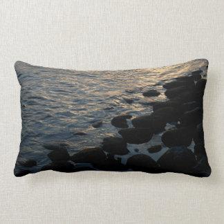 Rocas de la orilla, almohada lumbar