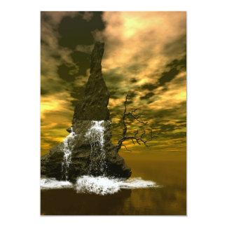 Rocas en el mar con las cascadas invitación 12,7 x 17,8 cm
