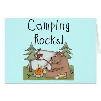 Rocas que acampan tarjeta de felicitación