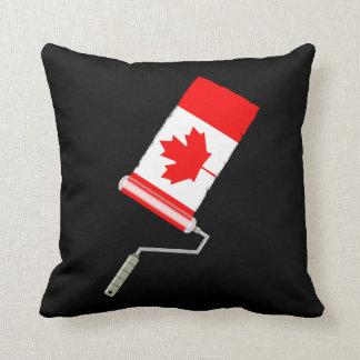 Rodillo de pintura canadiense de la bandera cojín decorativo