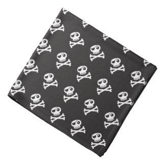 Rogelio alegre, cráneo, pañuelo blanco y negro del bandanas